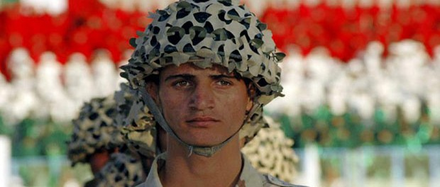 A Kurdish Peshmerga soldier, October 25, 2005. (Azad Lashkari / Courtesy Reuters)